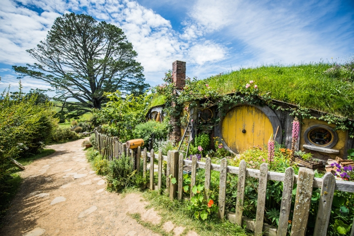 hobbiton-hobbiton-movie-set-waikato-new-zealand.ClFWOg